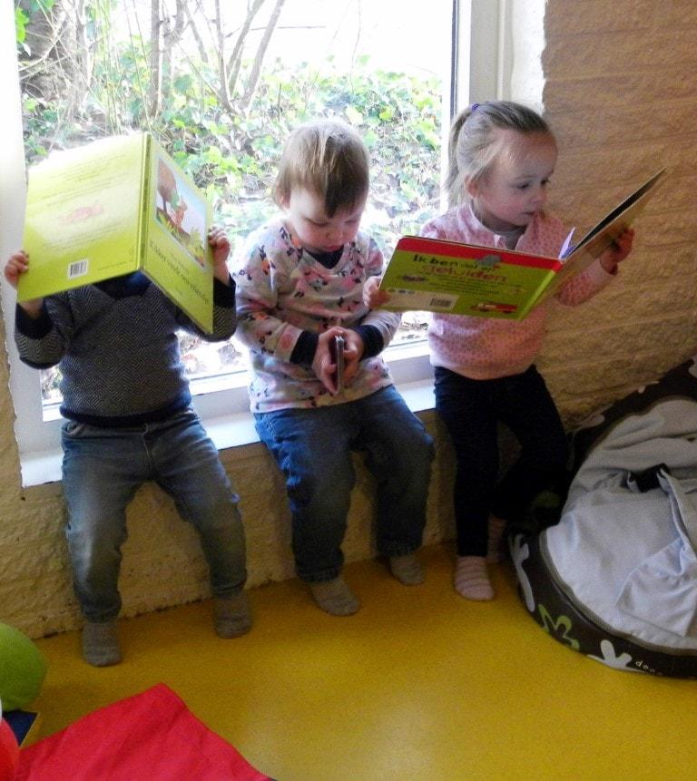 Samen lezen - Hamertje-Tik Kinderdagverblijf, Kinderopvang en buitenschoolse opvang in Beijum, Groningen.